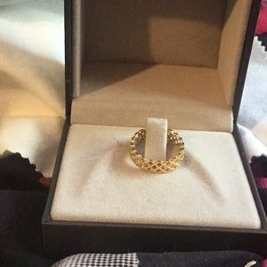 Authentic Gucci 18k gold ring. Brand new